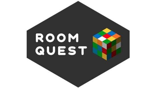 Логотип Roomquest - огранизатора квестов в реальности, живых квестов - вырбраться из комнаты в городе Москва